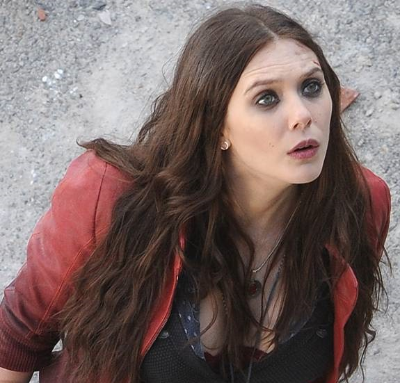 first-look-at-elizabeth-olsen-and-aaron-taylor-johnson-as-scarlet-witch-quicksilver3__oPt